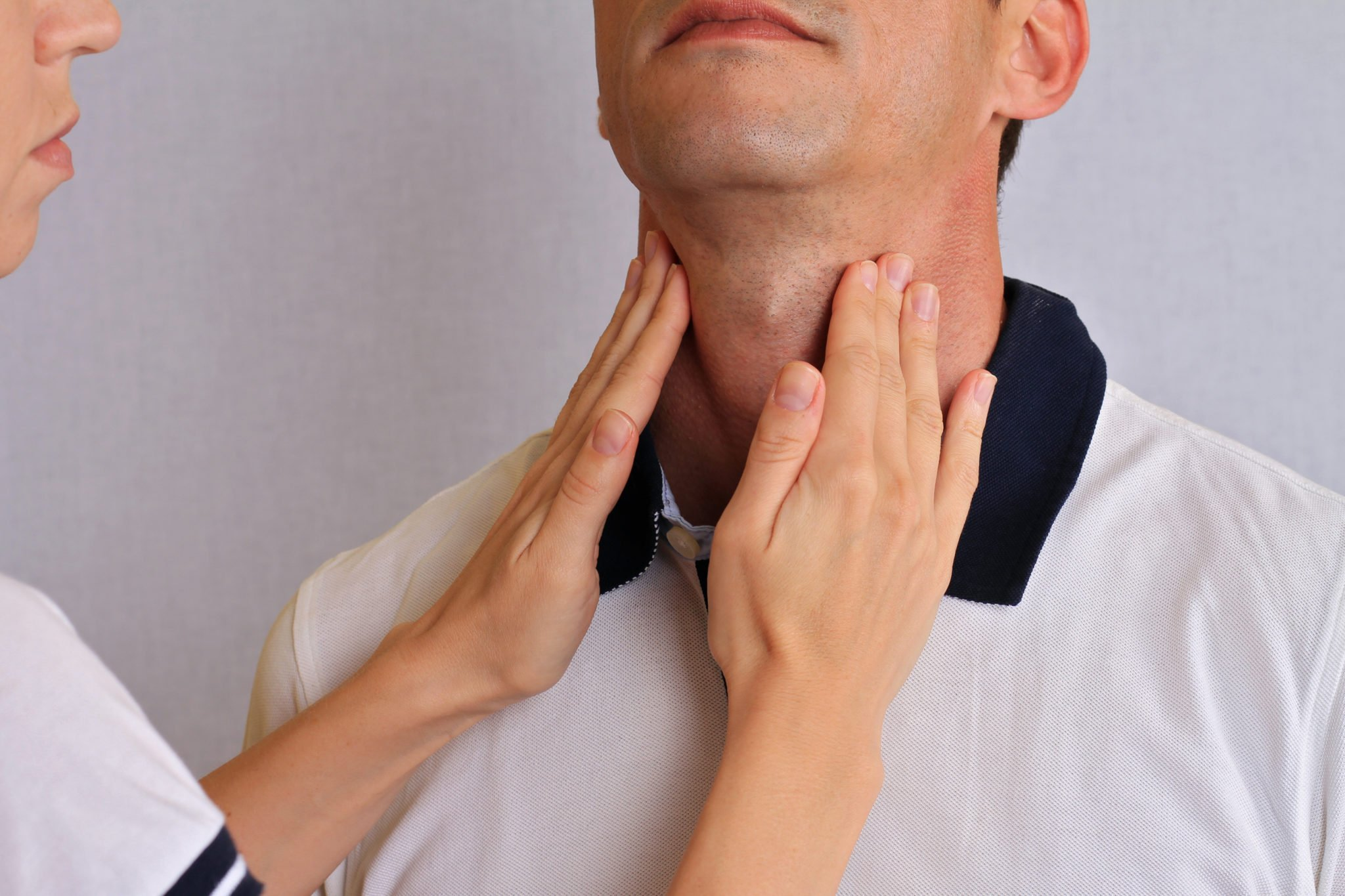 thyroid symptoms in men